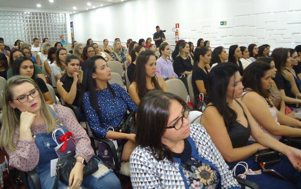CDL realiza com sucesso o 3º Workshop da Mulher Moderna em Patos de Minas