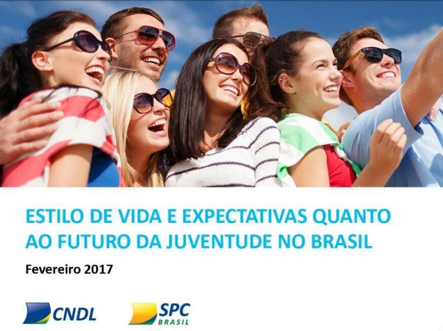 82% dos jovens brasileiros contribuem para o sustento da casa, indica pesquisa do SPC Brasil