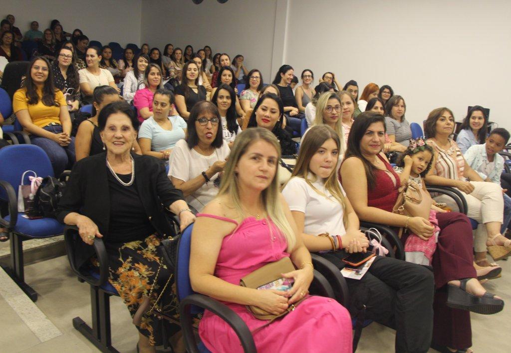 CDL Patos de Minas reúne mulheres para vencer os desafios do varejo