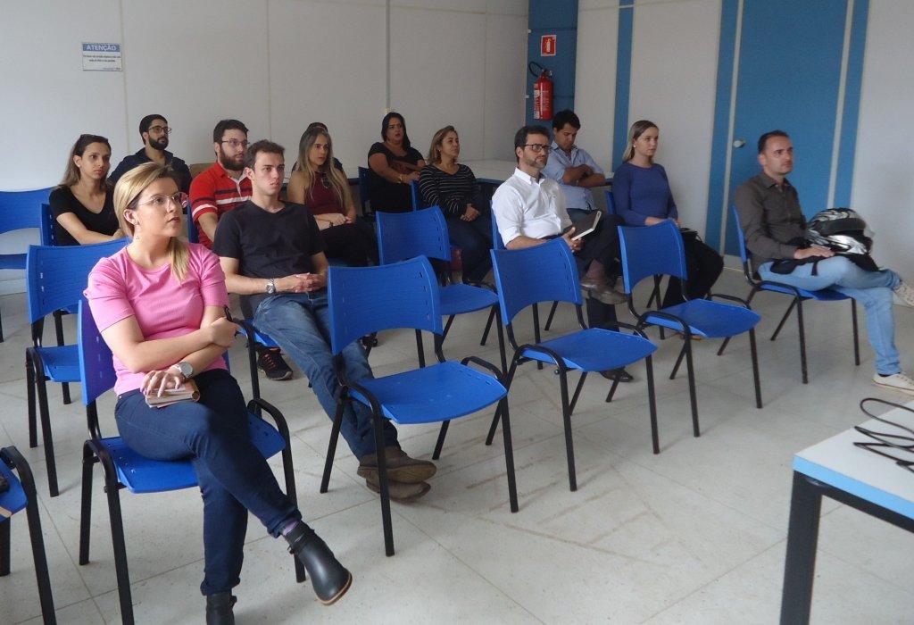 CDL promoveu palestra sobre como se sair melhor ao falar um público
